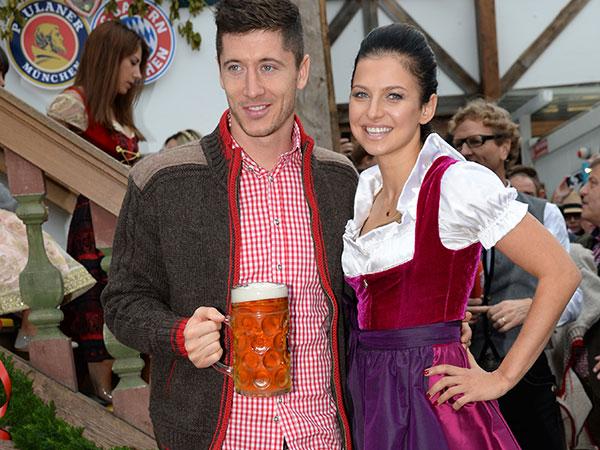 fc-bayern-oktoberfest-lewandowski-fotocredit-schneiderpress