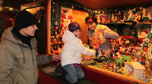Traditioneller Weihnachtsmarkt auf Gut Aiderbichl