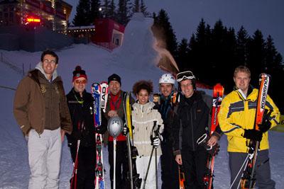 Kitz by Night (l.o. die neue Red Bull Starter Lounge sowie Eisskulptur beim Starthaus Toni Sailer zu Ehren