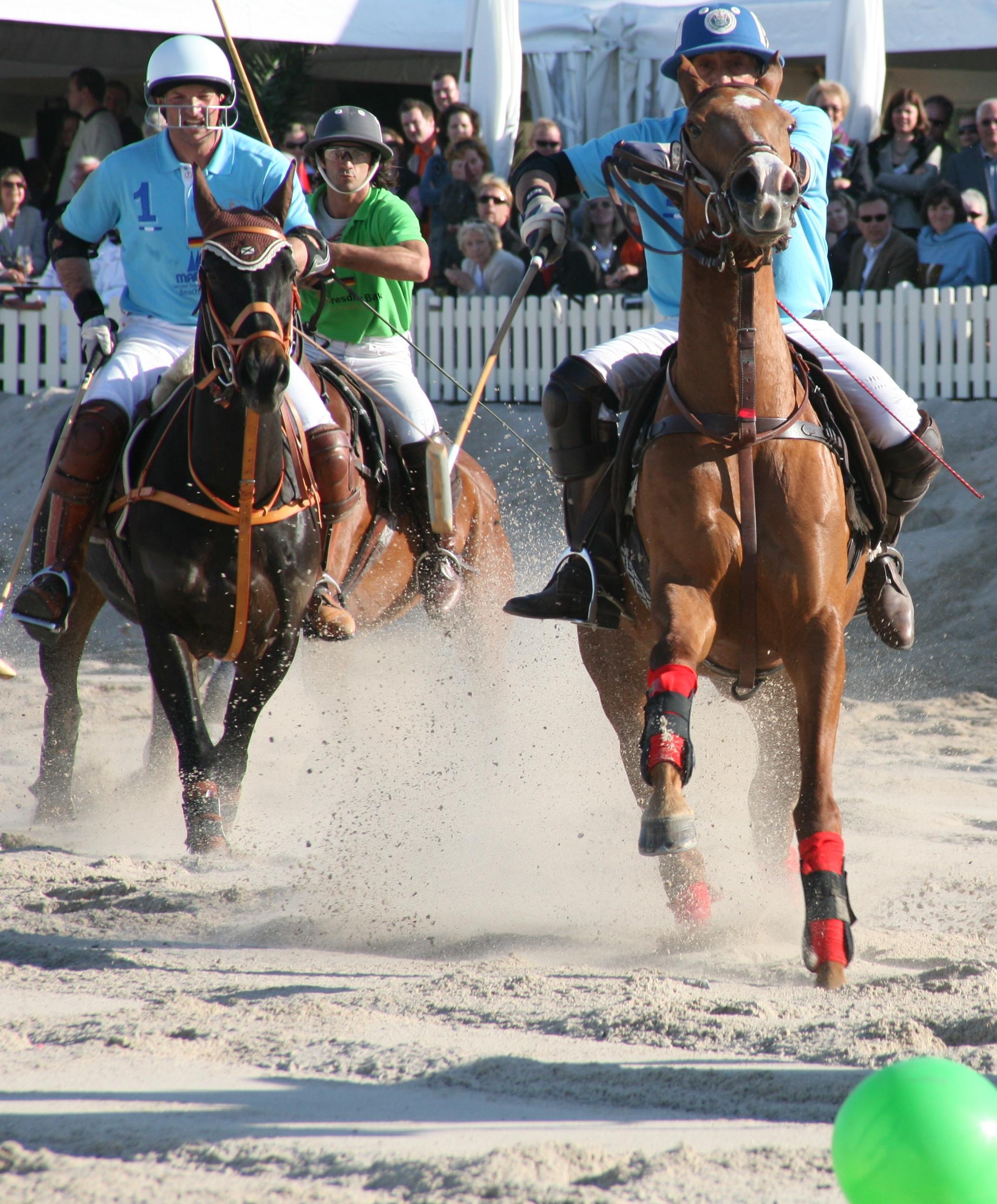 Der Flughafen München lädt zum 1. Polosport-Turnier