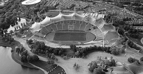 Public Viewing im Ehrengastbereich des Münchner Olympiastadions während der FIFA Fußball-WM