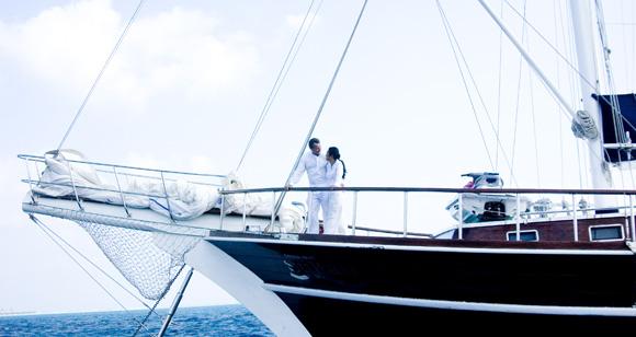 unter wei en segeln ins gemeinsame leben heiraten auf den malediven. Black Bedroom Furniture Sets. Home Design Ideas