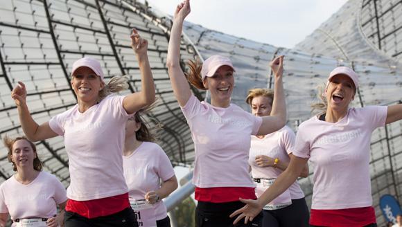 Sara Nuru und Nina Eichinger starten beim 2. Münchner Reebok Runners World Womens Run
