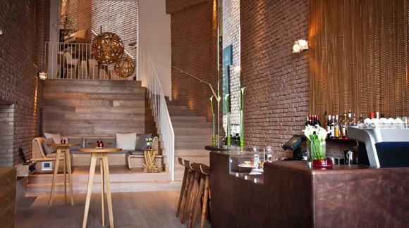 Münchens exklusivste Kaffeebar mit kosmopolitischer Küche: 'deli' im Brienner Quartier