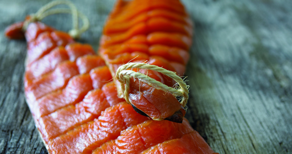 Feinkost für Weihnachten: Feinster Ikarimi-Lachs nach indianischen Rezept von Deutschlands nachhaltigsten Unternehmen