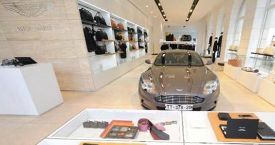 Die exklusivsten Shoperöffnungen in München 2010: Aston Martin, Moncler & Zegna