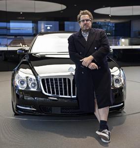 Autoluxusmarke Maybach und die Kunst: 2011 exklusive Partnerschaften mit Louvre und Julian Schnabel