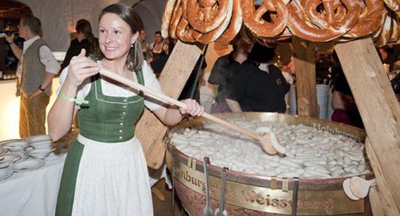 Bekannteste Party der Hahnenkamm-Woche feiert Jubiläum: Stanglwirt-Weißwurstparty wird 20