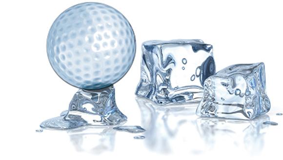 Golf on Ice 2011: Putten um einen Fiat 500