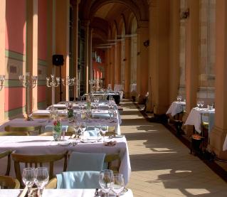 Temporäres Restaurant im Maximilianeum: einzigartig münchnerisch
