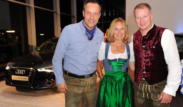 Wiesn'-Auftakt bei Audi: Golfen, Dirndl & die 'Blechblos'n'