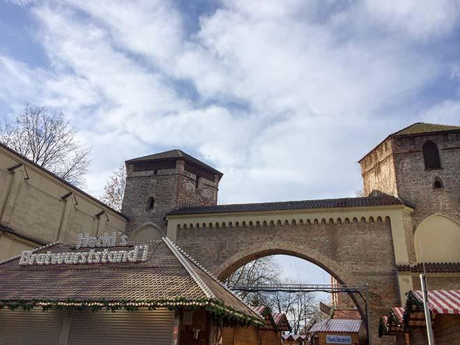 Das Sendlinger Tor ist der Namensgeber für diesen Christkindlmarkt.
