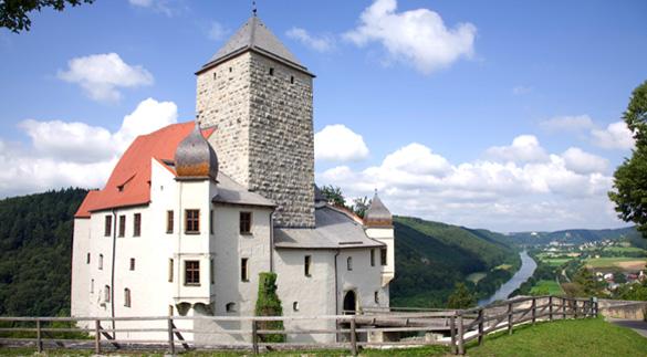 Burg Prunn im Altmühltal mit Nibelungenlied-Ausstellung