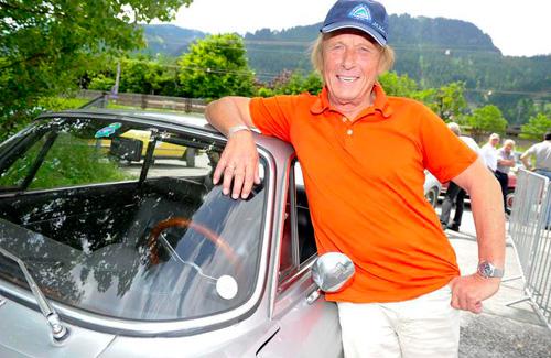 Promis fahren auf Oldtimer ab: Wer zur Kitzbüheler Alpenrallye alles Gas gab!