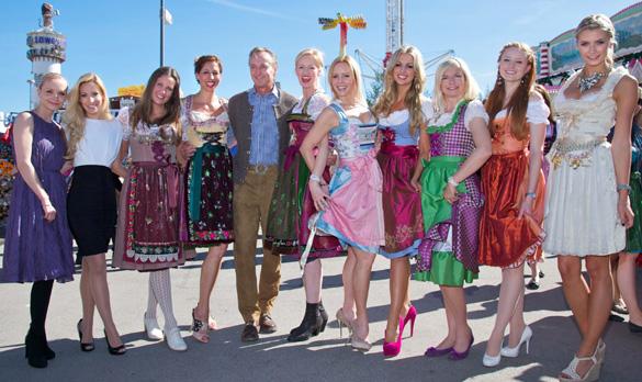 Oktoberfest 2012: Frauenalarm bei der EBEL-COSMOPOLITAN WIESN