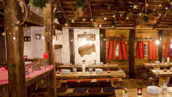 Exklusive Eventlocation: Pop-up Almhütte mitten in München