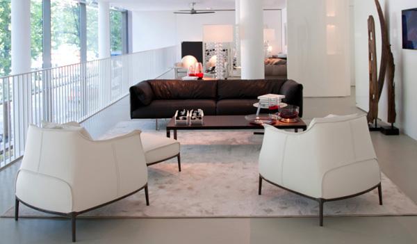 high end interior design vier italienische luxusmarken in einem gesch ft. Black Bedroom Furniture Sets. Home Design Ideas
