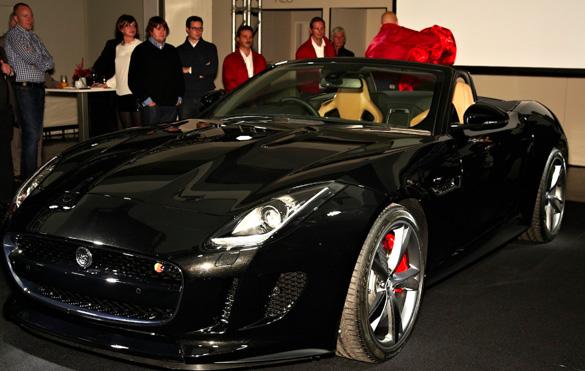 München-Premiere des Jaguar F-TYPE in Strombergs Restaurant KUTCHiiN