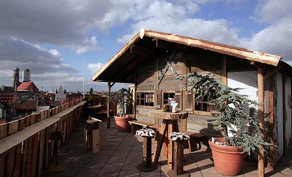 Die Alm auf dem Dach des Mandarin Orientals München
