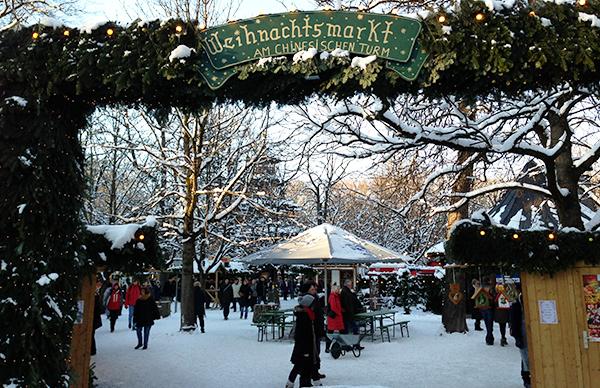 Weihnachtsmarkt am Chinesischen Turm: Christbaum Versteigerung am 23.12.