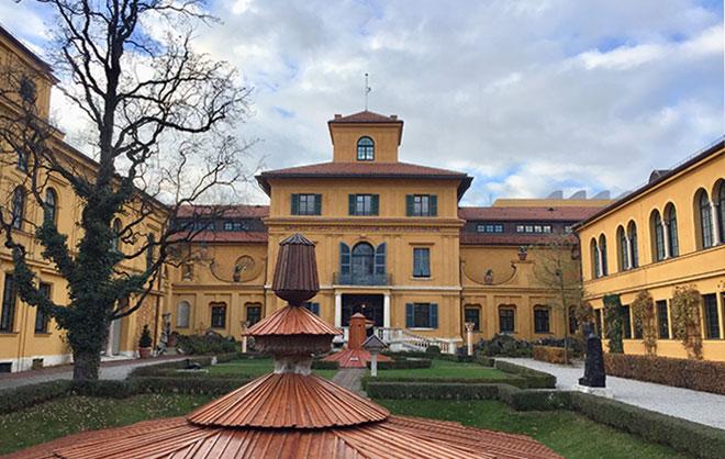 Liegt mitten im Münchner Kunstareal: Lenbachhaus