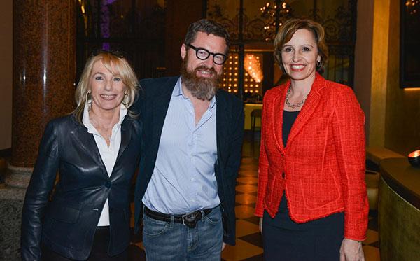 Waltraut-von-Mengden-mit-Kai-Diekmann-und-Christine-Haderthauer-Fotocredit-Daniel-Biskup