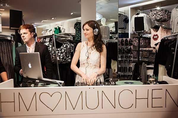 Opening Der Superlative Neuer Hm Store In Der Innenstadt
