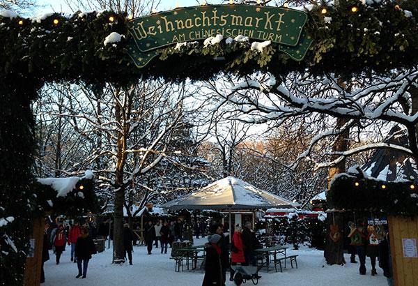 Weihnachtsmarkt Am Chinesischen Turm.Christkindlmarkt Am Chinesischen Turm Exklusiv München Szene