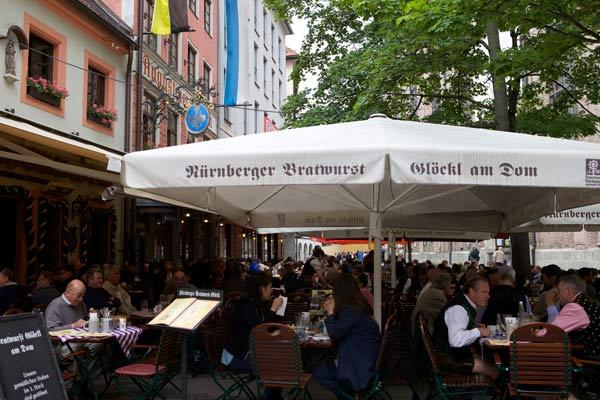 Nürnberger Bratwurst Glöckl am Dom