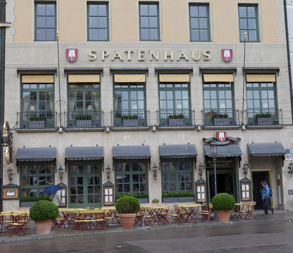 Spatenhaus an der Oper