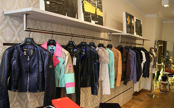 Leder, Leidenschaft und ein Hauch Sommer: 'LIVE & LOVE' Pop-Up Store