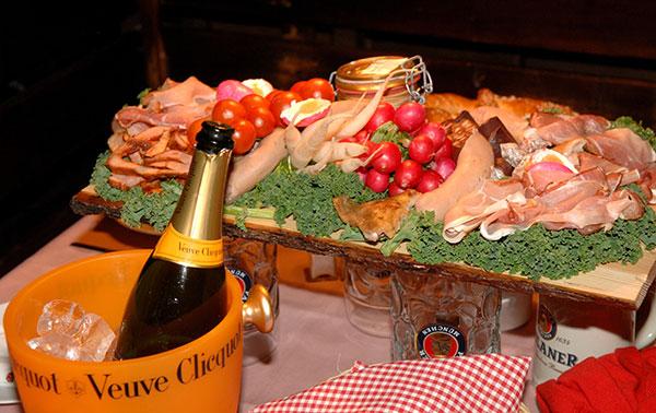 Oktoberfest 2014: In den VIP-Zelten geht es kulinarisch traditionell zu!