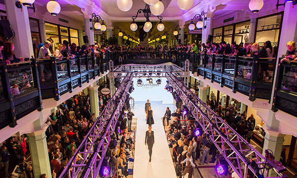 Designer Outlet: Late Night Shopping in Salzburg mit Prêt-a-porter Shows