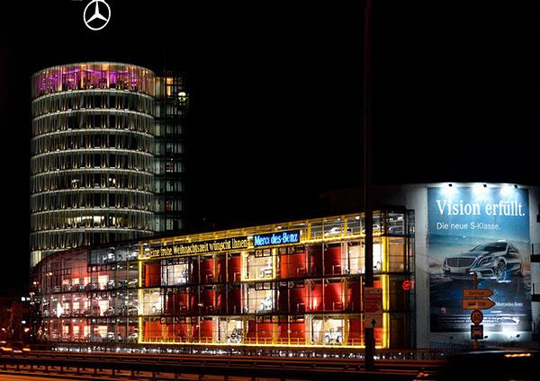Automobiler Adventskalender: 120 Jahre Motorsport und Rennsporthistorie bei Mercedes-Benz München