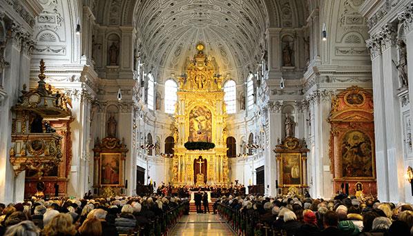 Advents-Benefizkonzert: Zubin Mehta und Jonas Kaufmann in der St. Michael-Kirche