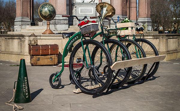 Der exklusivste Fahrradverleih Münchens: HENDRICK'S IMPRACTICAL BICYCLE SHARE