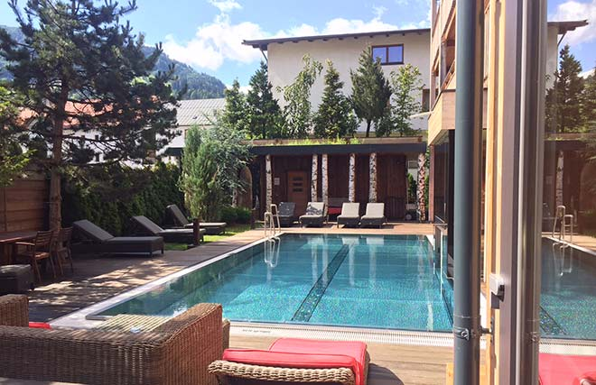 Hot spot am viktualienmarkt mit rooftop bar boutique for Design hotel zillertal
