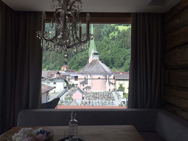 Grand-Hotel-Suite-Friedhofs-Blick