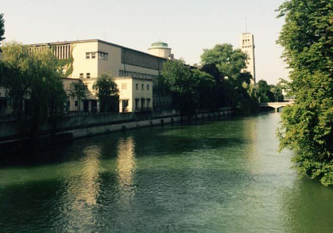 Ein Isarflussbad für München?