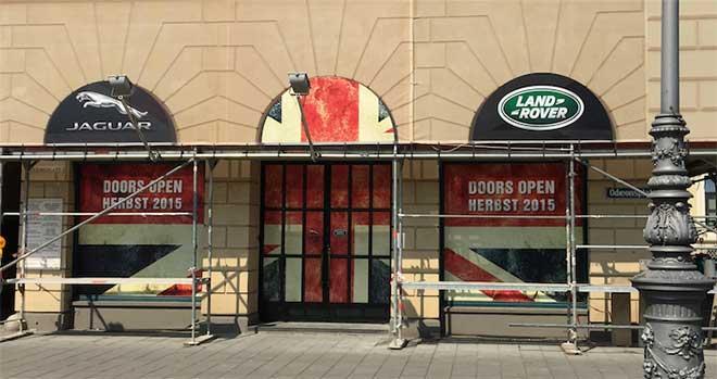 Odeonsplatz 2: Aston Martin ist raus, Jaguar Land Rover kommt rein