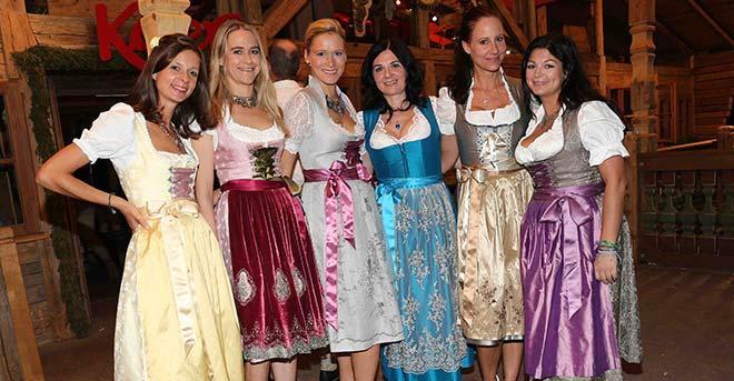 Die schönsten Dirndl auf dem Oktoberfest: Die 'Alpenmädel' feiern