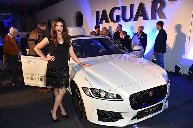 Kunst und PS anstatt Bier und Hendl: Jaguar XF Kunstnacht