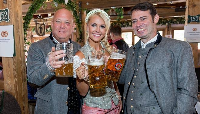 Oktoberfest und die Männer: 1. Männerwiesn in Käfer Wiesn-Schänke