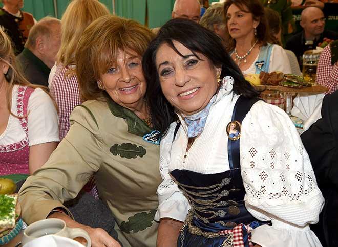 Oktoberfest-Regine-Sixt-Fotocredit-SchneiderPress