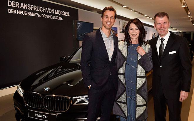 Iris Berben im BMW 7er-Fieber!