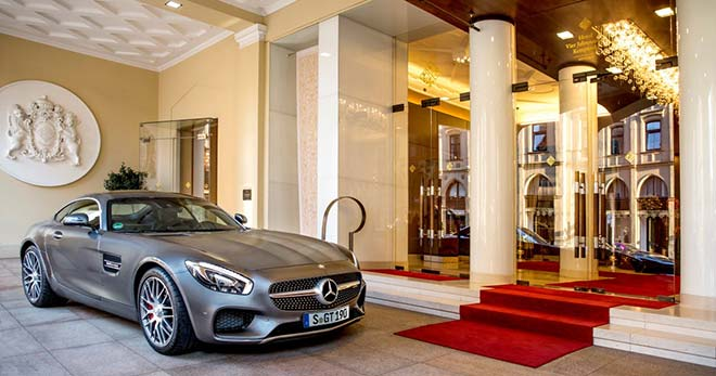 Kempinski München: Exklusive Mercedes-AMG Modelle für Hotelgäste