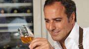 Münchner Celebrity Sommelier Zhouleh kreiert eigenen Wein