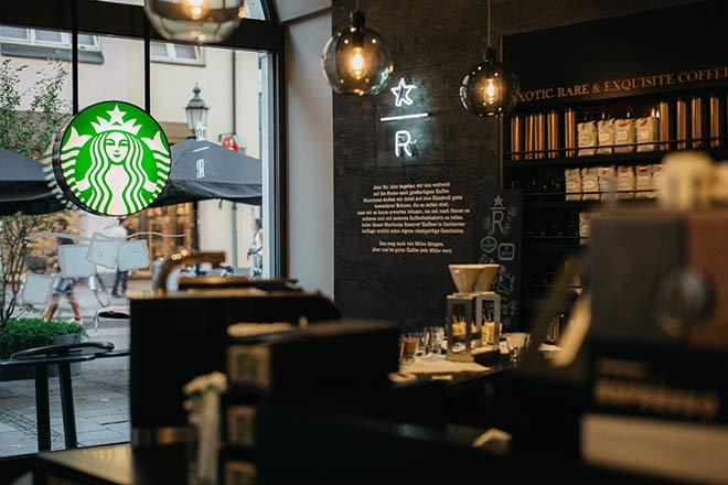 Tapete Cappuccino Bauhaus : Starbucks M?nchen: Das exklusivste Coffee House von Starbucks