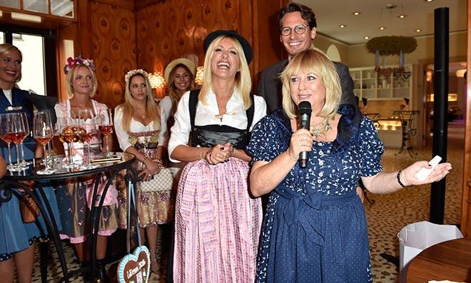 Oktoberfest Party für Blondinen - man traf sich zum Aperitif bis es auf die Theresienwiese ging