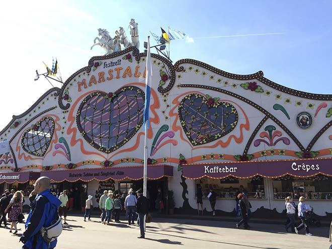 Für das Marstall wich das Hippodrom, welches 2015 den Oktoberfest-Festzelt-Platz verlor. Fotocredit: Azim Alizada
